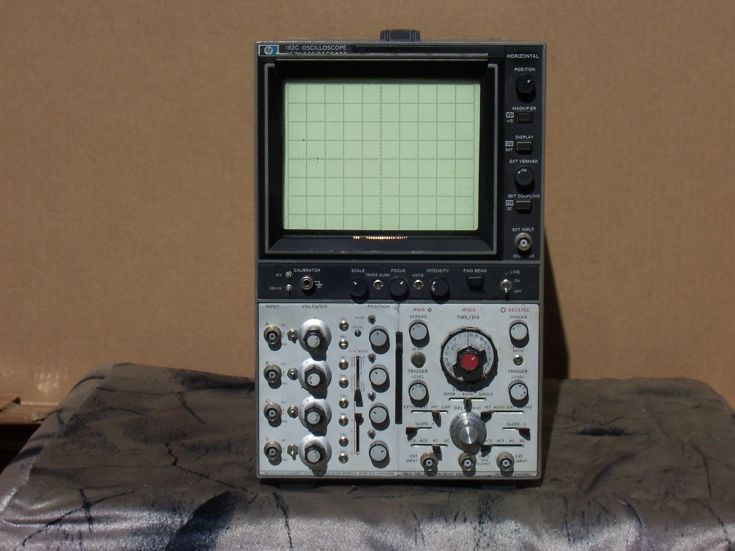 Amp On An Oscilloscope : Hp c oscilloscope with vertical amplifier and