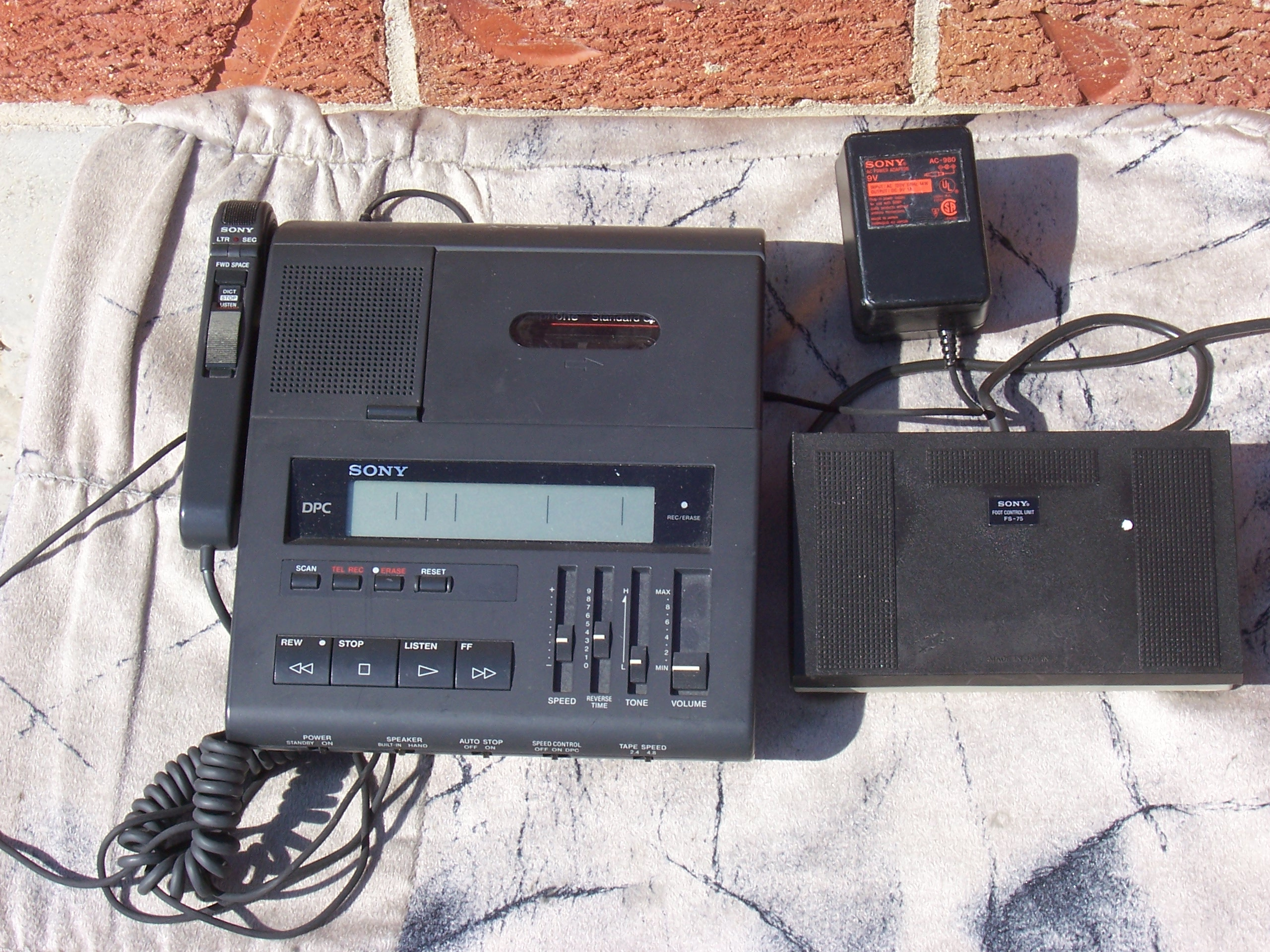 Dictator With Foot Pedal Sony BM-89 Standard Cassette Transcriber