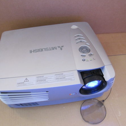 Mitsubishi ColorView XL30U LCD Projector 3000ANSI Lumens