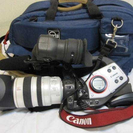 Canon XL2 MiniDV 3CCD Professional Camcorder  With a Porta Brace Case